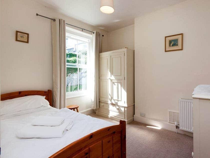 Attractive single bedroom    Innisfree, Salcombe