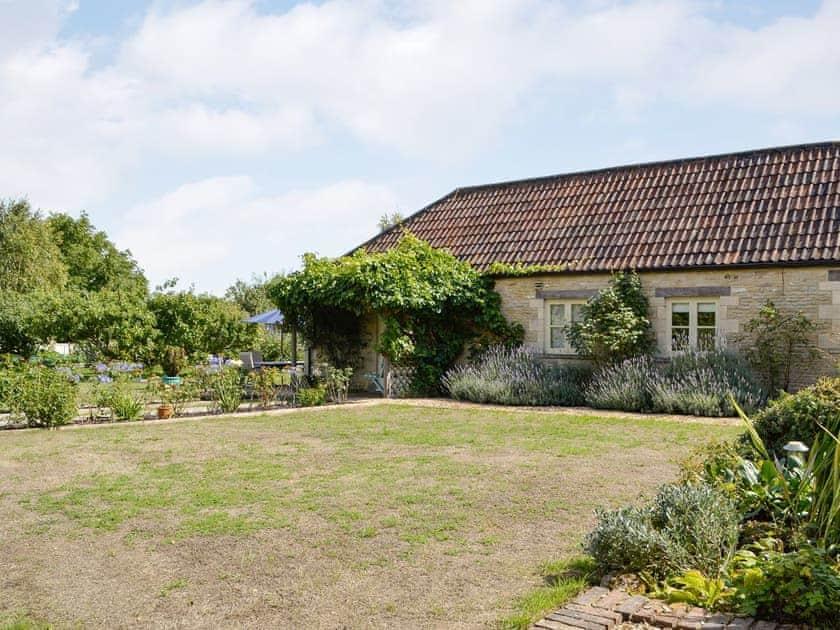 Manor Farm Barns - Le Jardin