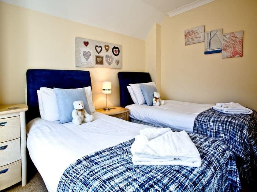 Twin bedroom | 41 Moorings Reach - Moorings Reach, Brixham