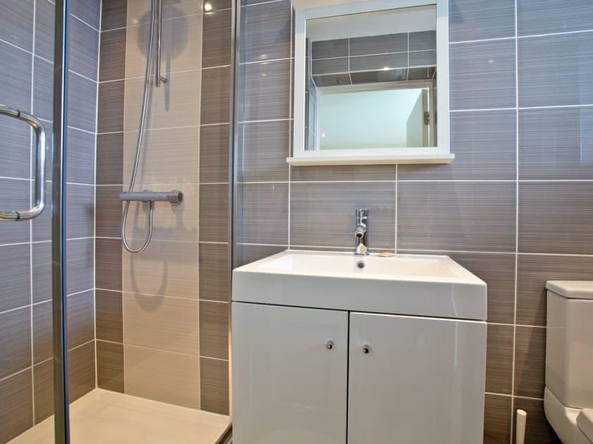 Shower room   50 Ocean Views - Ocean View, Portland