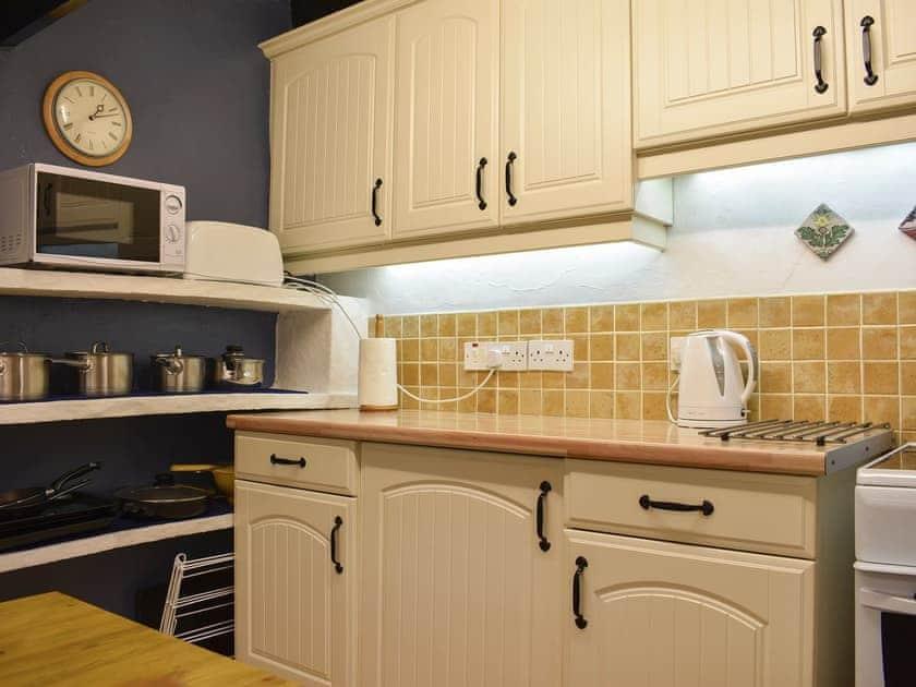 Kitchen and dining area   Garbutt Cottage, Langthwaite near Reeth