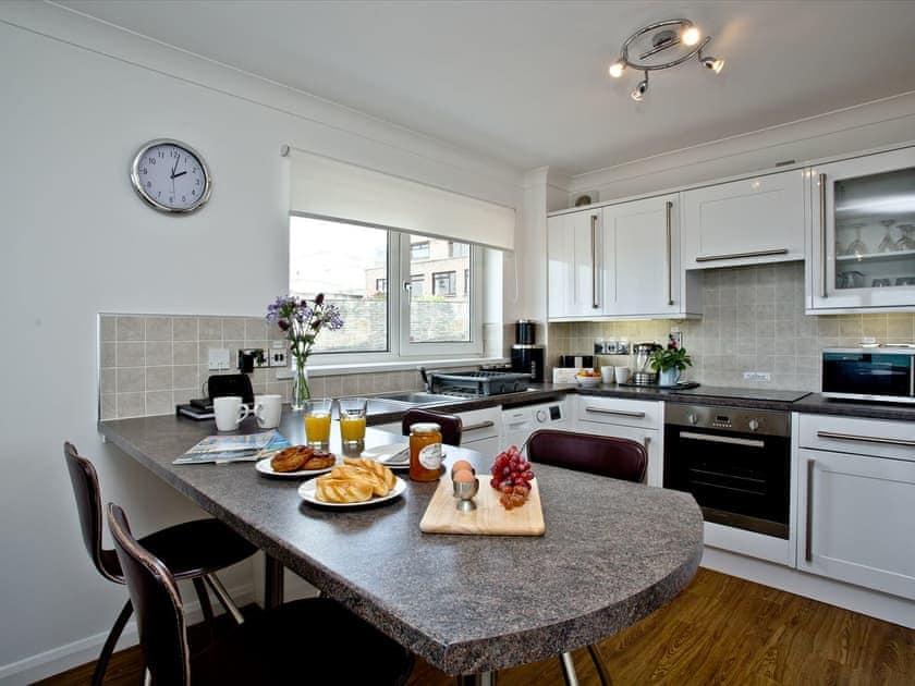 Kitchen | 7 Waters Edge - Waters Edge, Newquay