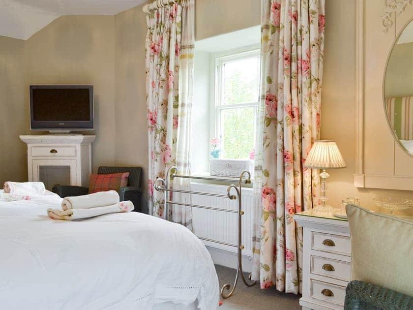 Spacious master bedroom | Bridge House, Helmsley