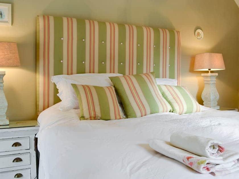 Comfortable double bedroom | Bridge House, Helmsley
