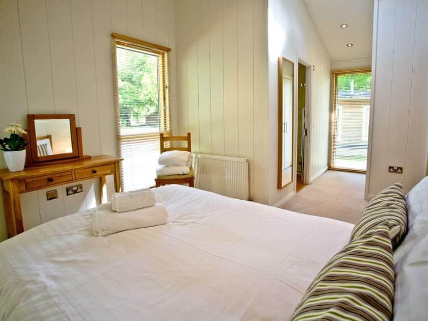 Bedroom with cosy double bed | Haytor Lodge, 9 Indio Lake - Indio Lake, Bovey Tracey