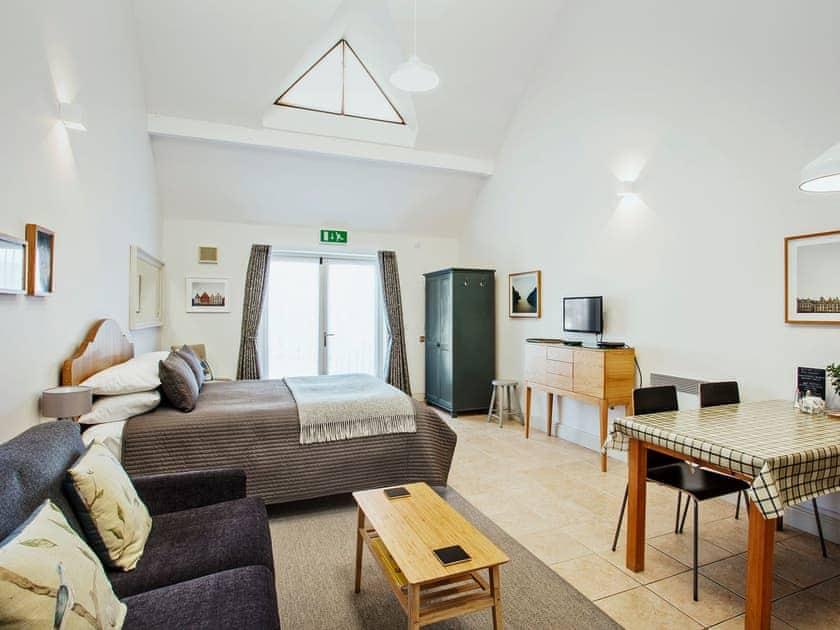 Spacious open plan living space | Ships Mews Apartment 4 - Ships Mews Apartments, Porlock