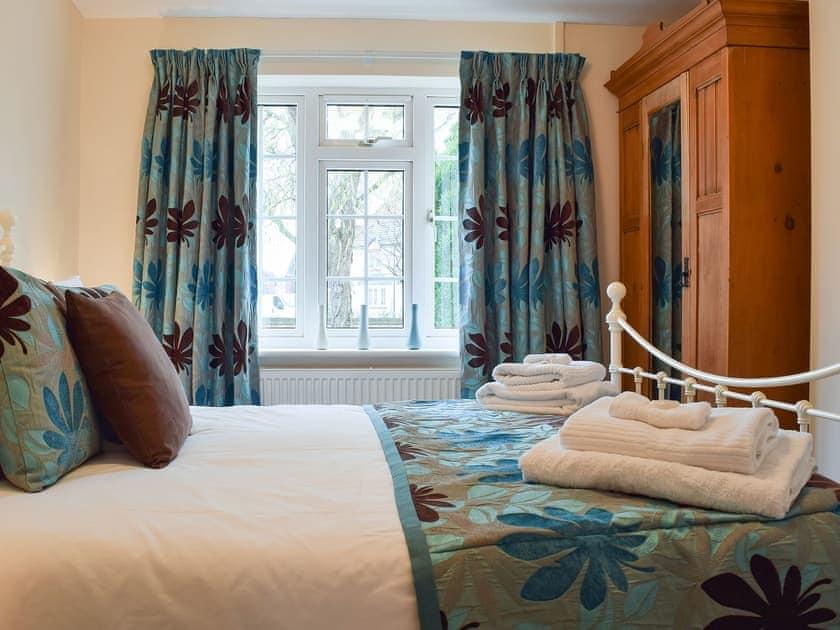 Relaxing and peaceful double bedroom | Heysham Retreat, Evesham