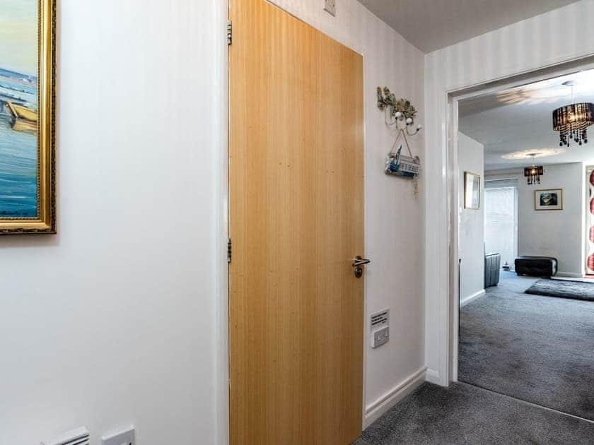 Hallway | 14 Belvedere Court - Belvedere Court, Paignton