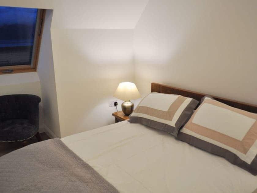 Peaceful double bedroom | Lurach Apartment, Lurach Apartment - Lurach, Port Appin, near Oban
