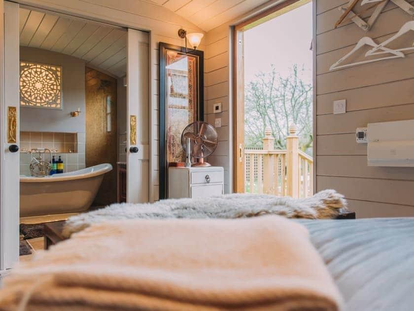 Double bedroom | The Challoners, Robertsbridge