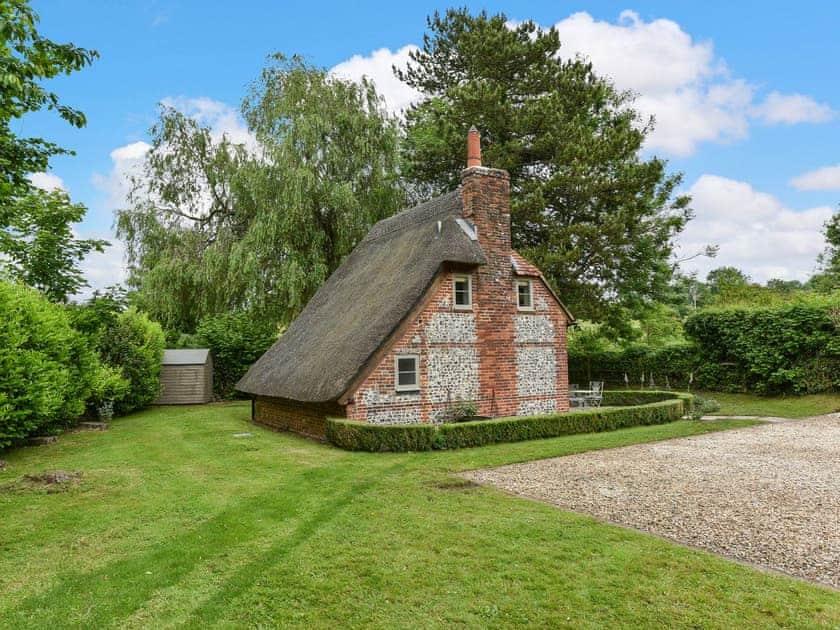 Hoseasons & Peppercorn Cottage in Cheriton Hampshire - Book Online ...