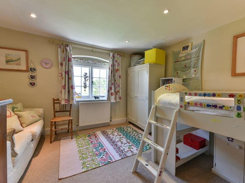 Twin bedroom | Flint House, Near Chichester