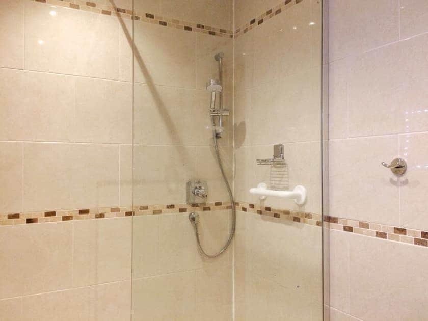 Shower room   Carr House, Cayton, Scarborough