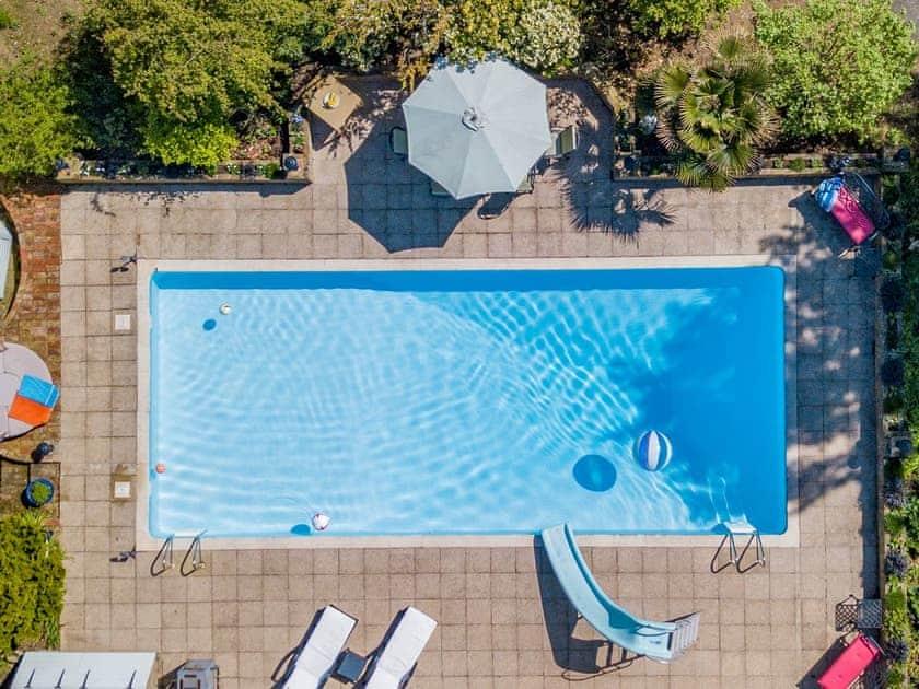 Swimming pool | The Manor Coach House, Chartham