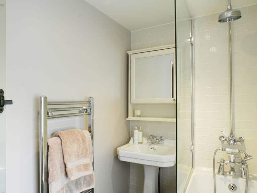 Bathroom | Pemberly, Winchester