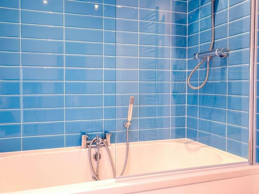 Bathroom | Lavender Cottage, Kea, near Truro