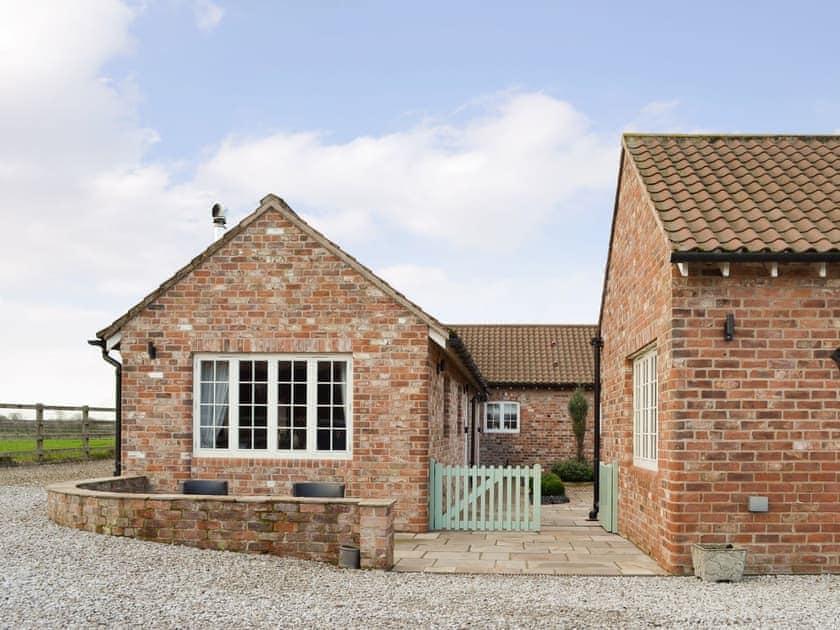 Holtby Grange Cottages - Owl Cottage
