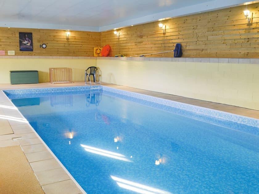 Shared indoor heated swimming pool | Brummell Barn, Cheverton Farm Cottage - Cheverton Farm, Shorwell