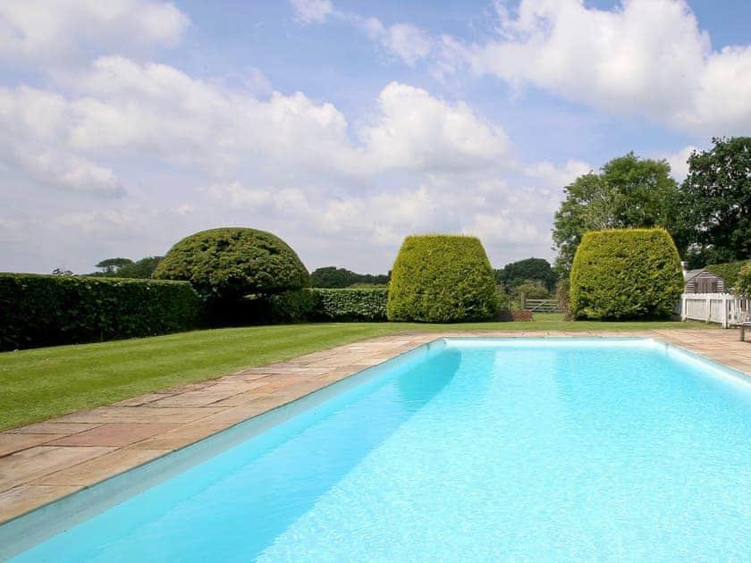 Swimming pool | Prospect Cottage, Wittersham