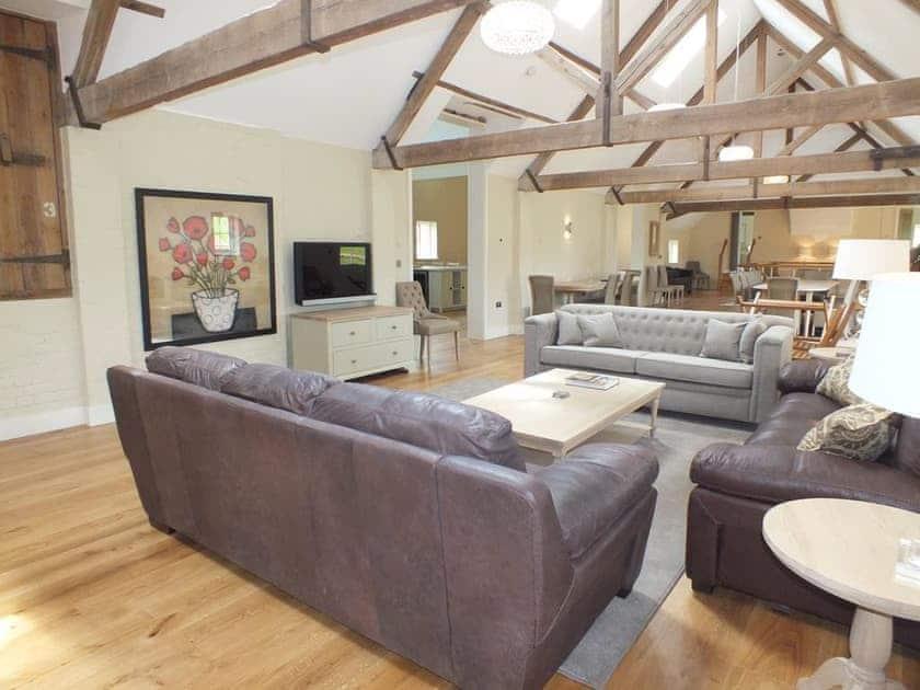 Open plan living space | Finchcocks Oast 33-42, Finchcocks Oast 33-42, Goudhurst