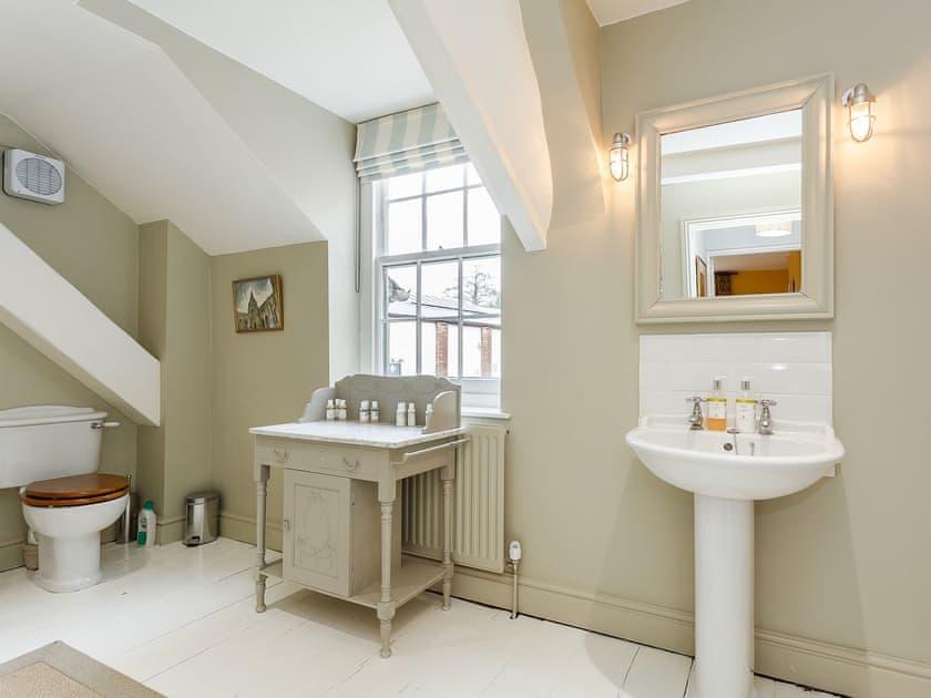 Bathroom | The Gate House, Wimborne Minster