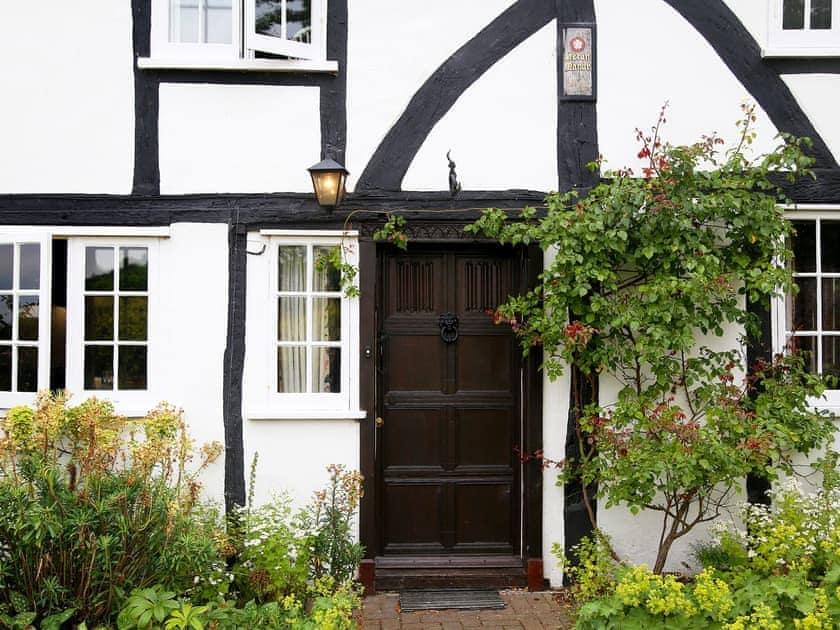 Heron Manor and Mistletoe Cottage