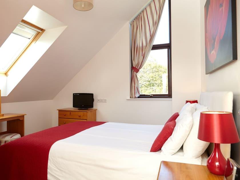 Double bedroom   Badgers Oak - Calbourne Water Mill Eco-houses, Calbourne