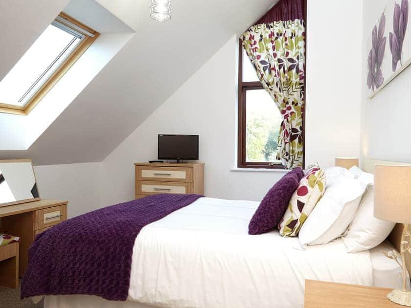 Double bedroom | Goldfinch - Calbourne Water Mill Eco-houses, Calbourne