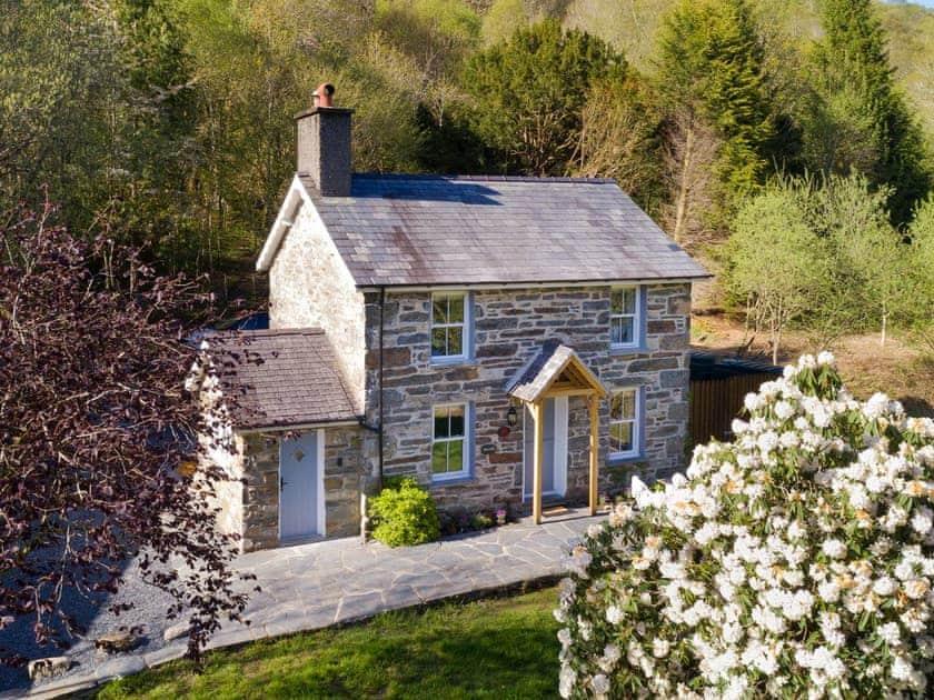 Ceunant Cottages - Riverside