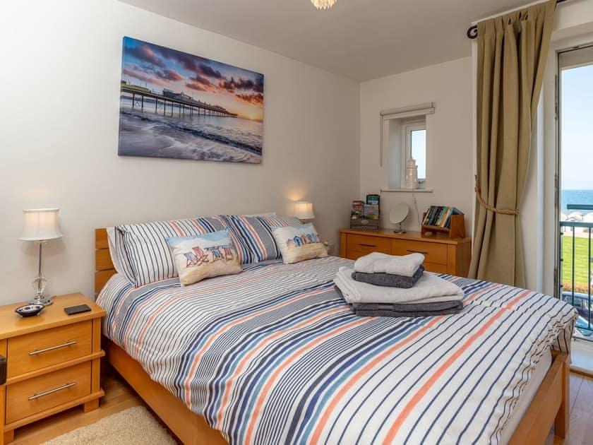 Relaxing double bedroom | 8 Belvedere Court - Belvedere Court, Paignton
