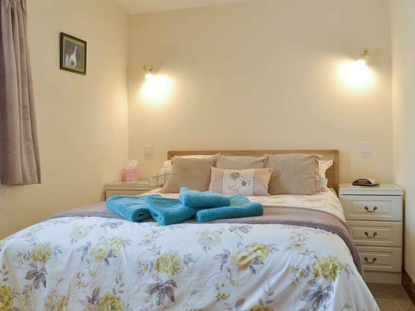 Relaxing double bedroom | Long Wood - Wellington Farm, Priddy, near Wells
