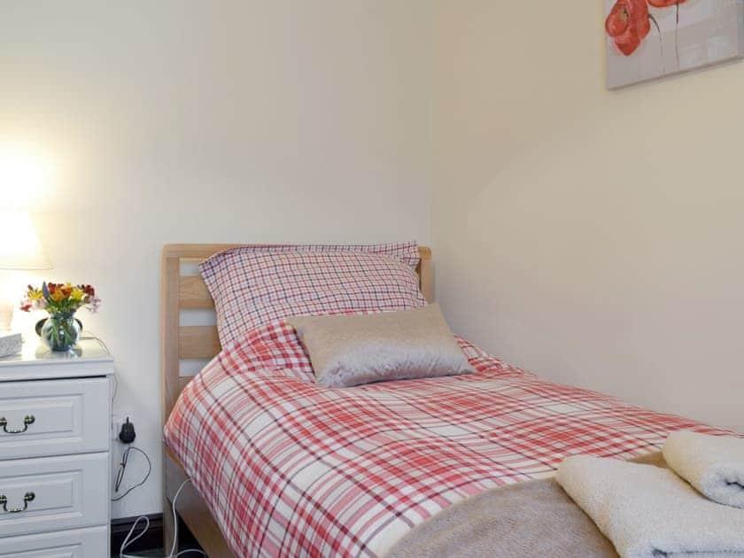 Peaceful single bedroom | Long Wood - Wellington Farm, Priddy, near Wells