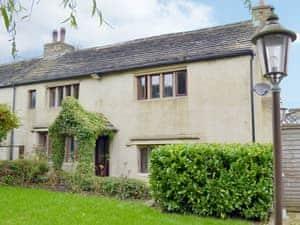 Law Farm Cottages - Wisteria Cottage