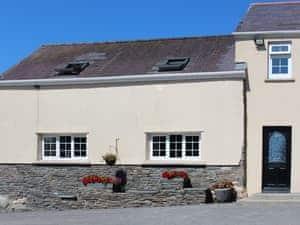 Morlogws Farm Holiday Cottages - The Carthouse