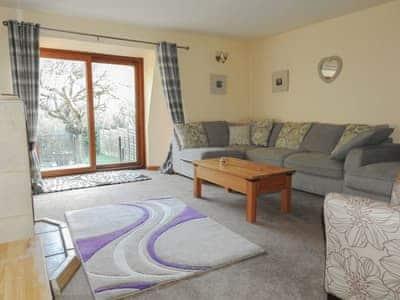 Spacious living room   Hyssop Cottage - Nethway Farm, Kingswear