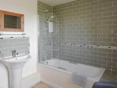 Bathroom   Hyssop Cottage - Nethway Farm, Kingswear