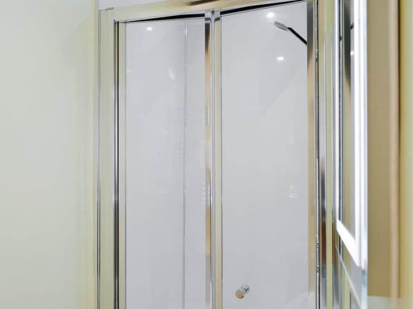 En-suite shower room | Dunstan Hall, Craster