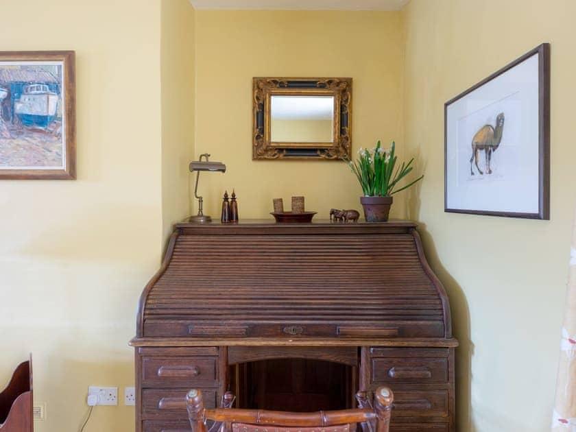 Heritage furnishings throughout | Church Street 20, Salcombe