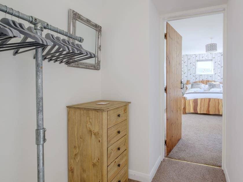 Dressing area | Rowborough Cottage - Cheverton Farm, Shorwell
