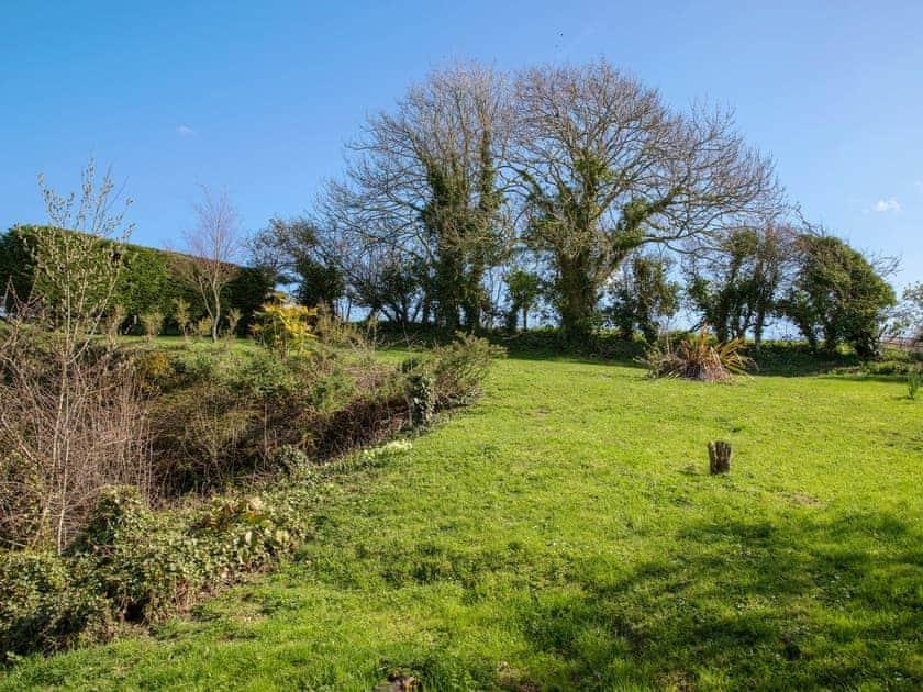 Garden | Rowborough Cottage - Cheverton Farm, Shorwell