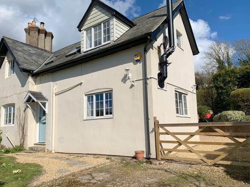 Exterior   Rowborough Cottage - Cheverton Farm, Shorwell