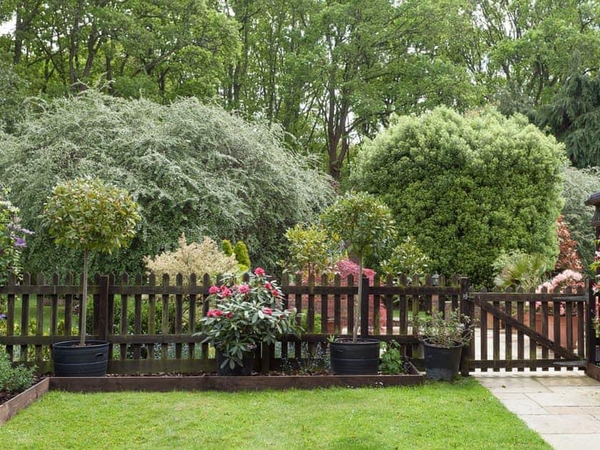 Enclosed garden area   The Trees, Winsor, near Southampton