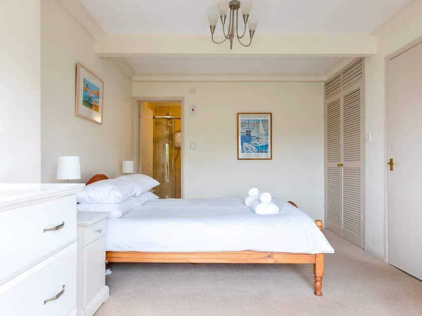 Double bedroom with en-suite | Estuary House, Flat 3, Salcombe