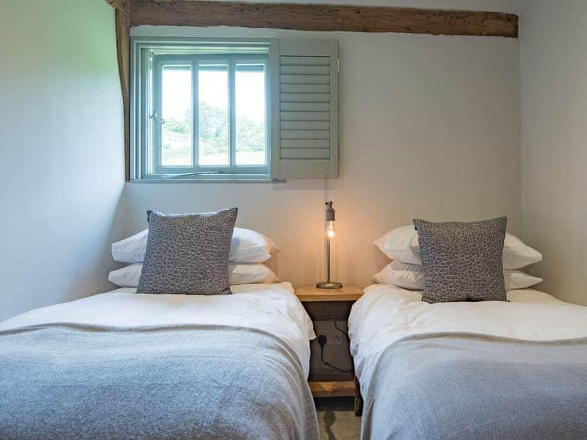 Twin bedroom | Birch Cottage at Frame Farm, Benenden