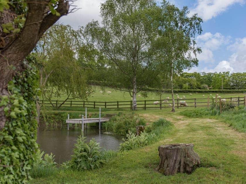Garden and grounds | Birch Cottage at Frame Farm, Benenden