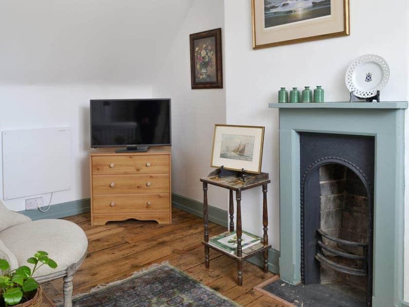Upper floor sitting room | Westholme Cottage, Horncastle