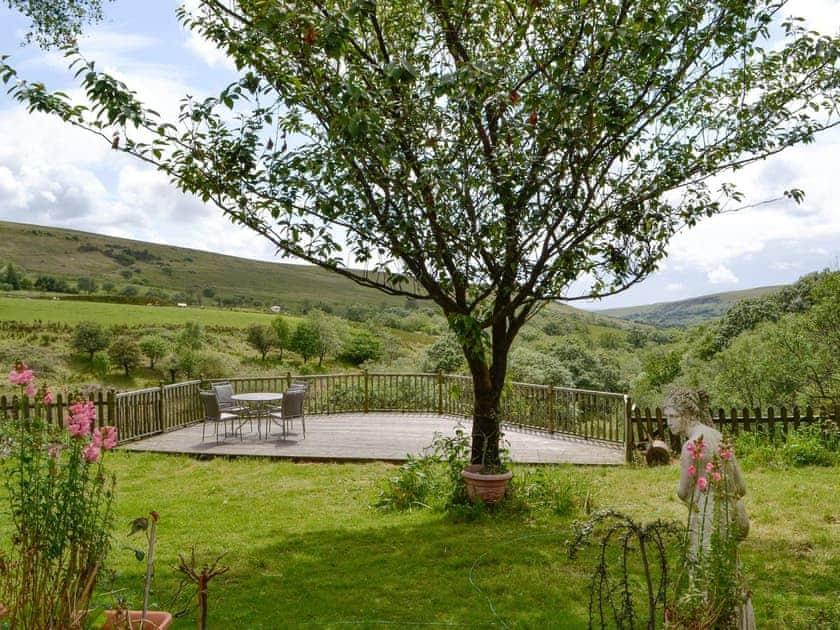 Well-maintained garden with decked patio area | Coynant Farm Cottages - Barn Cottage - Coynant Farm, Felindre, near Swansea