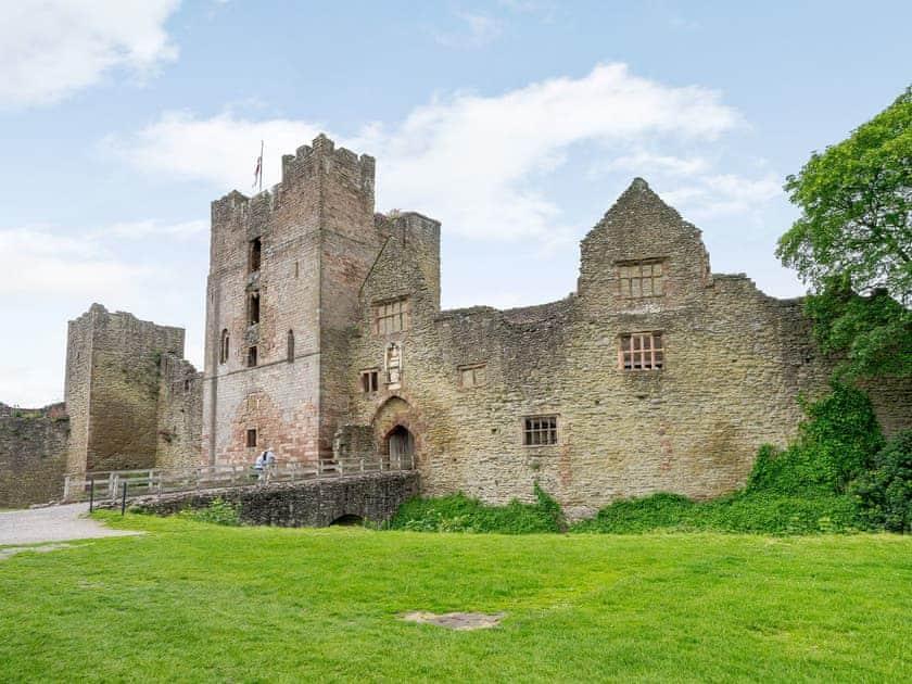 Ludlow Castle Lodgings - Comus