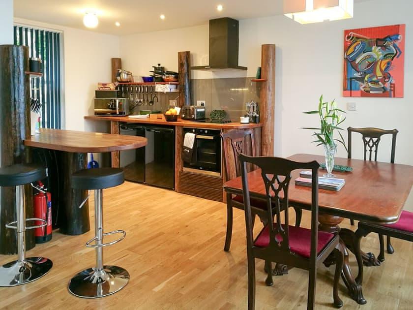 Kitchen/ dining room | Lochside Cottage - Torridon Estate, Torridon