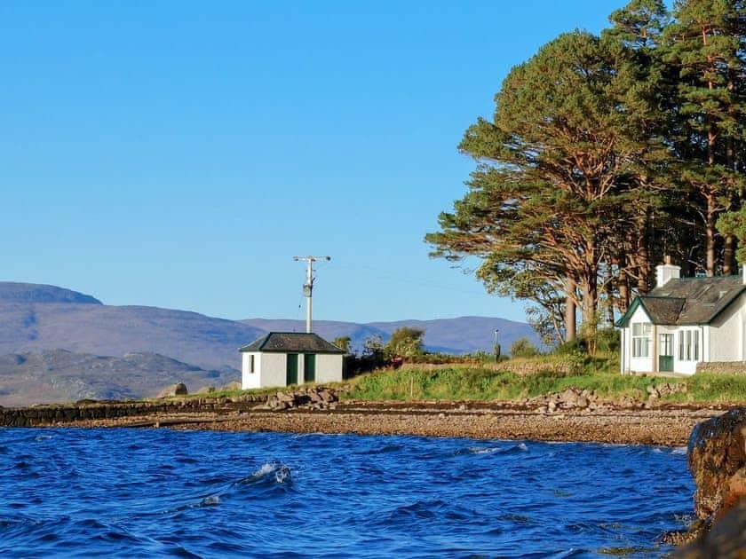 Holiday home in a delighful location | Lochside Cottage - Torridon Estate, Torridon